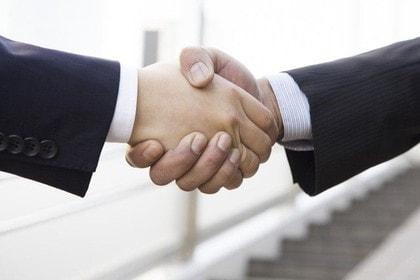 業務上横領でどの段階で弁護士さんにお願いすべきですか?